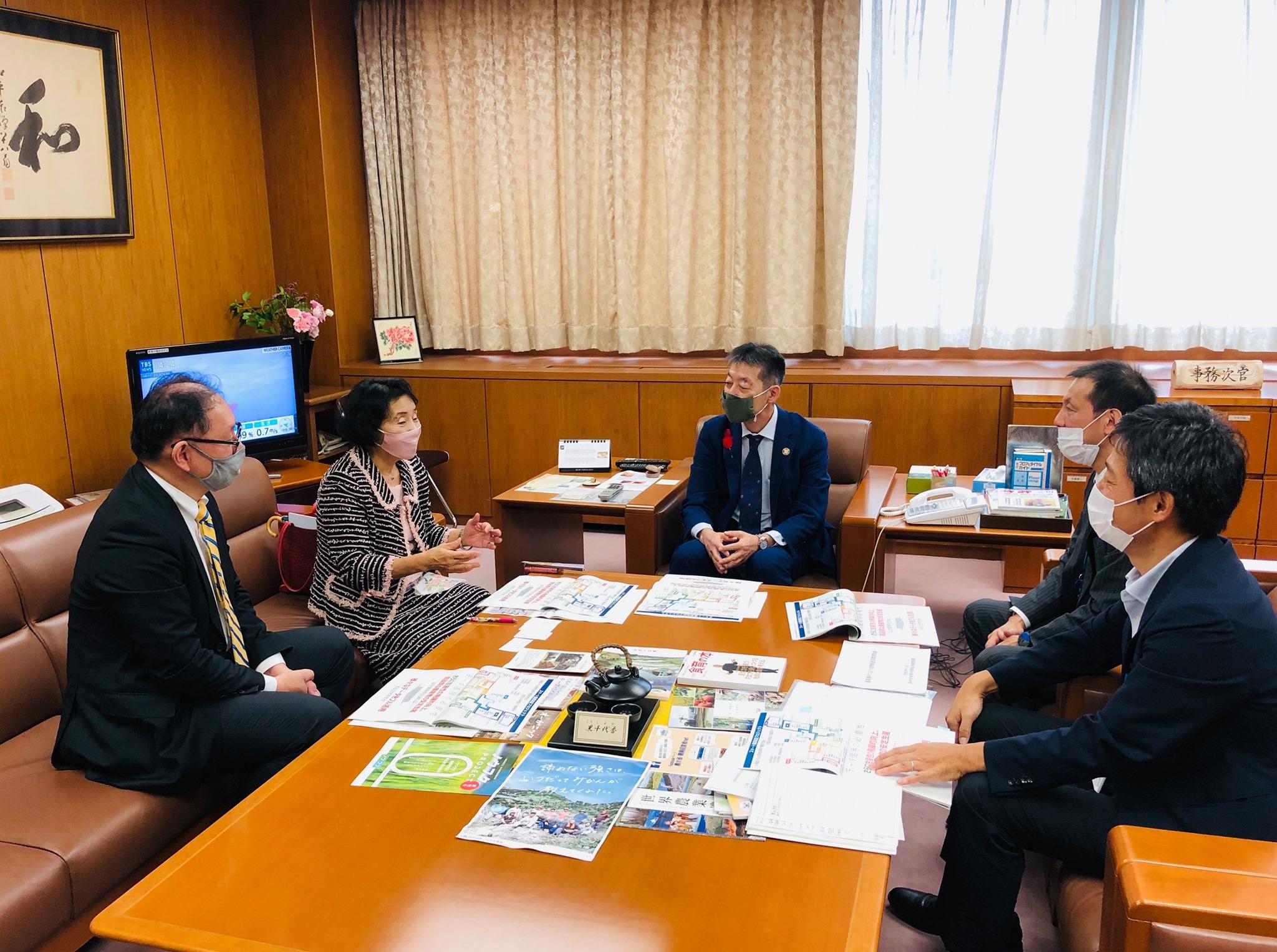 農林水産省の枝元真徹事務次官を訪問しスマート農業について意見交換しました。