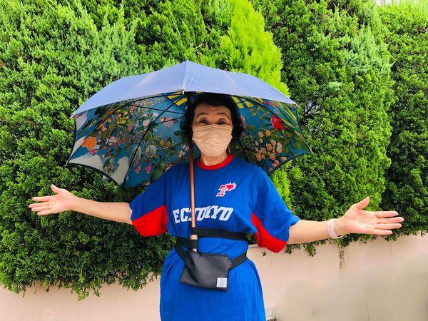 「手を使わずに傘をさす傘さしエイド ベルト君」を紹介していただきました。