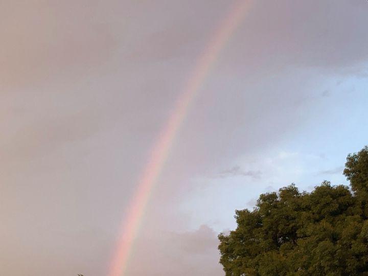 ゲリラ豪雨の空に虹。